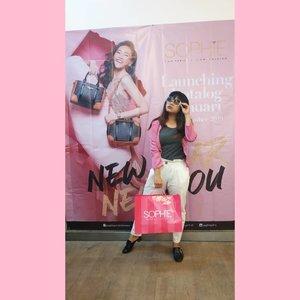NEw Year New You! Udah siapin fashion item buat hangout minggu ini?  Cuzz deh kepoin koleksi katalog Sophie Paris Januari, keren2 dan murah loh  #sophieparis #ootd #clozetteid #looklikeaprincess #princess #lfl #fashionblogger  #instafashion #beautiful #ootdindo #ootdmagazine #bloggerstyle