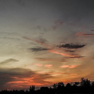 Sunsets are proof that endings can often be beautiful too - Beau Taplin#clozetteid #ootdindokece #ootdindo #lookbookindonesia #styleootd #ootd #ootdmagazine #ootdindonesia #potd #bunnyneedsmakeup #bvloggerid #gengbvlog #indobeautygram #indobeautysquad #beautychannelid #tampilcantik #ragamkecantikan #tipskecantikan #zonamakeupid #kbbvmember #kbbvfeatured #explorebangka #ghinaaroundtheworld