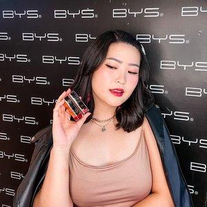 Just attend @byscosmetics_id swatch and play produk terbaru mereka, yaitu Hydra Gloss Lipstick ✨ - 📷 : @agaxpe - Formula nya enak banget, SUPER CREAMY BANGET dan range warna nya wearable banget (7 shades). Terus dia tuh ga lengket loh, beda daripada lipgloss pada biasanya ❤️ - Price Rp. 100.000,- per pcs #bysindonesia #byshydragloss #byscosmetics - #clozetteid #lipgloss #lipstick