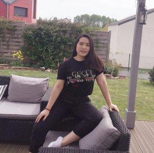 Instagram post vs reality 😂😂 || 📷 : @alvita_bellaa . . Selamat Paskah & Selamat Hari Kartini untuk semua wanita dan perempuan Indonesia ♥️ . . #clozetteid #ootdindokece #ootdindo #lookbookindonesia #styleootd #ootd #ootdmagazine #ootdindonesia #potd #bunnyneedsmakeup #bvloggerid #gengbvlog #indobeautygram #indobeautysquad #beautychannelid #tampilcantik #ragamkecantikan #tipskecantikan #zonamakeupid #kbbvmember #kbbvfeatured #ghinaaroundtheworld