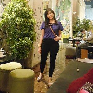 Foto lama bersemi kembali  #shinebabyshine #theartofslowliving #cupoftheday #feelfreefeed #lovelysquares #darlingdaily #theeverygirl #chasinglight #finditliveit #thesimpleeveryday #minimal_perfection #minimalism #weheartit #blog #dailylife #igdaily #bloggerlifestyle #beautybloggerindonesia #bloggerlife #bloggerindonesia #clozetteid #lessismore #minimalove #simplicity #simpleandpure #Beautiesquad #JakartaBeautyBlogger