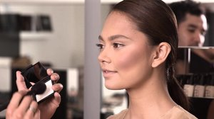 Cheek How-To for Round Faces - YouTube
