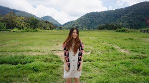 You are the prettiest when you're happy 🤗•••••#huntingphoto  #asiangirl #beauty #styleofbeauty #like4like #like4follow #l4l #l4f #lifestyle #fashionstyle #naturallook #styleblogger #beautyblogger #fblogger #clozetteid