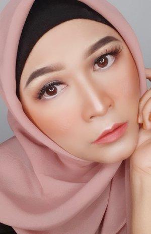 Tutorial eyeshadow kali ini menggunakan pallete seri exclusive dari @wardahbeauty #brushedbyedelyne #makeup #makeuptutorial #belajardirumah #belajarmakeup #dirumahaja #makeup #clozetteid #makeupartist #bandungbeautyblogger #beautybloggers #instacool #hijabi #makeupandhijab #stayathome #staysafe