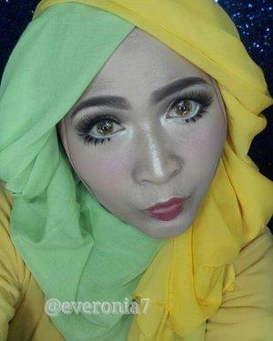 "Video one brand makeup tutorial ""Dolly Look"" ini sedang dlm proses editing ya,  aku buat dengan hanya  menggunakan produk2 dari @wardahbeauty . Yang pengen tau tutorialnya, subscribed YouTube channelku ya, biar ngga ketinggalan update nya ,thank you 💚💚💚 #makeupbyedelyne  #hijabbyedelyne  #makeuptutorial  #dollylook #starclozetter  #clozetteid  #makeup #mua #hijabandmakeup"