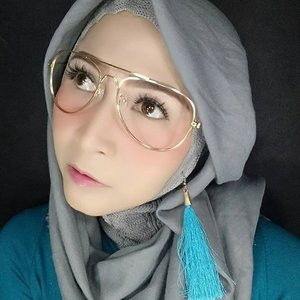 #makeupbyedelyne  #starclozetter  #clozetteid #hijabstyle  #hijablooks  #hijabandfashion  #atomcarbonblogger  #beautybloggerindonesia  #makeupartist