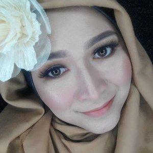 #bloggerceriamakeupcollaboration#ValDayMakeup#makeupbyedelyne#hijabbyedelyne#starclozetter#clozetteid#makeup#hijabandmakeup#hijabstyle#wakeupandmakeup#makeupartist