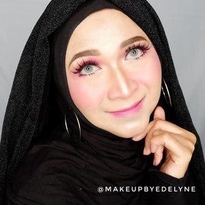Nothing beats a great smile, morning! #brushedbyedelyne #clozetteid #wakeupandmakeup #makeupforever #ombrelips #motd #makeuplook #makeupoftheday #hijabilookbook #hijabistyle