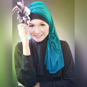 Good morning, hope today everything is better than yesterday. #makeupbyedelyne #hijabbyedelyne #indonesianbeautyblogger #hijabphotography #hijabstyle #hijabfashion #clozetteid #HOTD #ScarfMagz #makeup #riasmuslimah #muaindonesia #mua #makeupartist #makeupaddict #makeupartistsworldwide #wakeupandmakeup #dressyourface #makeupartistindonesia