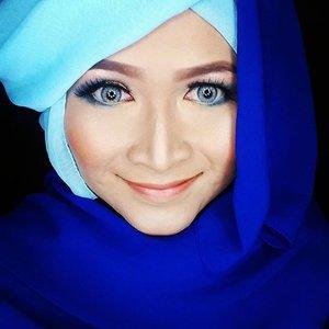 Happy Monday everyone. #makeupbyedelyne #hijabbyedelyne #indonesianbeautyblogger #beautybeyondrules #makeoverid #clozetteid #makeup #starclozetter #makeupmommy #indobeautygram #instamakeup #hijabstyle #hijablover #hijabista #hijaboftheday #hijabfashion #hijabinstyle #hijabIndonesia #hijabandmakeup