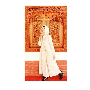 Have a nice Sunday 😍#brushedbyedelyne #ootdbyedelyne #ootdhijabindonesia #fashionblogger #bloggerstyle #hijabandfashion #clozetteid #ootdfashion 👗 by @casandrafashion