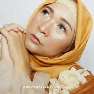 #brushedbyedelyne #makeup #runawaymakeup #makeupart #mua #hijabistyle #hijabilookbook #hijabandfashion #clozetteid #frecklesmakeup #freckles #glowingskin