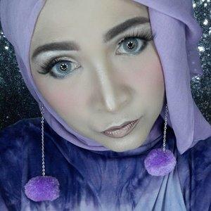 Hijab of the day, , purple !! Lipstick Man Eater from @colourpopcosmetics  #makeupbyedelyne  #hijabbyedelyne  #hijabstyleindonesia  #hijabandfashion  #starclozetter  #clozetteid  #instamakeup #makeupoftheday