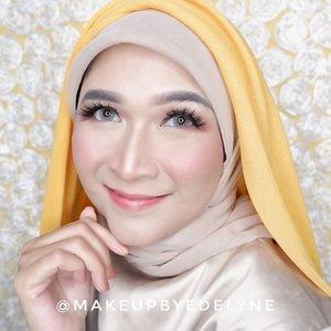 Assalammualaikum , selamat pagi, berusaha tetap selalu tersenyum dan optimis di tengah berita berita corona yang bikin hati ketar ketir. Badai Pasti Berlalu , Insya Allah . #staysafe #stayathome #dirumahaja #brushedbyedelyne #clozetteid #makeup #hijab