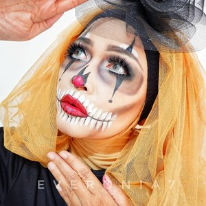 Mencoba meramaikan Halloween.  Inspiration:  @marioncameleon  @revlonid insta perfect foundation - 240 @poppydharsonocosmetics absolute cover two way cake - ivory @kryolanofficial TV paint stick NG1  @maybelline hyper impact liner @inezcosmetics precious powdery cake 03 @katvondbeauty shade + light contour pallete @mehronmakeup black and white @stila stay all day liquid lipstick @wardahbeauty eyeXpert eyebrow kit  @makeupforeverid 9 artist shadow pallete  #makeupbyedelyne #khalilunamakeup #creativemakeup #makeupart #facepaintingmakeup #makeup #halloween #halloweenmakeup #clozetteid #makeupinfluencer #wakeupandmakeup #makeupartistsworldwide #makeupartist #mua #muaindonesia #dwiendahpusparini #makeupcharacter #kbbvfeatured #bandungbeautyblogger #tribepost #makeupoftheday