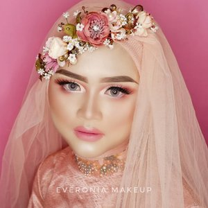 Swipe for before makeup pictureEyebrow @viva.cosmetics @wardahbeautyFoundation @lorealindonesia total cover foundationEyeshadow @byscosmetics_id BerriesBlush @makeoveridContour @latulipecosmetiques_#makeupbyedelyne #makeupandhijab #mua #makeupartist #makeupartistworldwide #hijab #weddingmalaysia #weddingbrunei #weddingmakeup #riasmuslimah #riaspengantinmuslim #inspirasimakeupwedding #instabride #makeupforhijab #inspirasimakeup #noeyebrowtrimming #muagarut #muabandung #muatasikmalaya #muajakarta #wakeupandmakeup #makeupmodel #wedding #clozetteid #beforeandaftermakeup