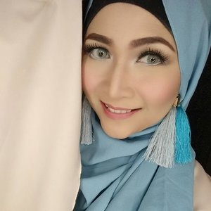 Selamat hari Minggu 😄😘. #makeupbyedelyne  #hijabbyedelyne  #makeupoftheday  #hijabstyle  #makeuplooks  #makeupmuslimah  #makeup  #hijabfashion  #clozetteid #starclozetter