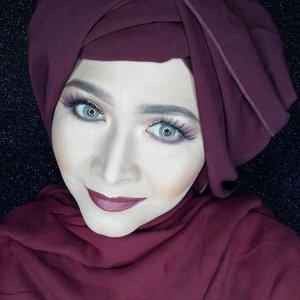 Vampy fall makeup  #makeupbyedelyne #hijabbyedelyne #hijabstyleindonesia #hijabandmakeup #makeupartistindonesia #makeupartistgarut #muabandung #muagarut #amazingmakeupartist #makeupmom #hijabers #hudabeauty #instamakeup #makeupartistsworldwide #anastasiabeverlyhills #vegasnay #makeup #hijabfashionista #hijabfashion #fashionbeautyblogger #mua #clozetteid #starclozetter #fallmakeup