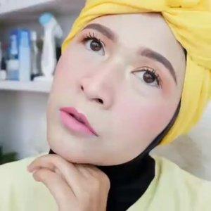 Tetap semangat dan optimis ya temans 💚💪 Insya Allah Ramadhan datang, Corona  pulang . #brushedbyedelyne #makeup #makeuptutorial #tutorialmakeup #bandungbeautyblogger #mua #makeupartist #clozetteid #stayathome #staysafe