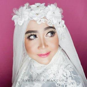 #makeupbyedelyne #muaindonesia #muabandung #muagarut #muajakarta #makeupartist #indonesianmakeupartist #instamakeup #instafamous #professionalmakeupartist #privatemakeup #muamalaysia #muasingapore #makeupidea #makeupforhijab #weddingmalaysia #weddingbrunei #weddingindonesia #makeupartist #mua #beforeandaftermakeup #wakeupandmakeup #anastasiabeverlyhills #makeupforever #morphe #wardah #wardahbeauty #makeuppassion #makeuplook #clozetteid