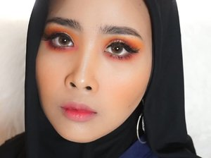 FIRE !! Products 1. @nyxcosmetics_indonesia ( in your element FIRE) 2. @nyxcosmetics_indonesia eye shadow base (white) 3. @nyxcosmetics_indonesia eyeliner pensil (gold) 4. @nyxcosmetics_indonesia eywbrow cake powder (brunette) 5. @nyxcosmetics_indonesia intens butter gloss (red) 6. @thebodyshopindo matte lip liquid (nairobi camellia 034) 7.@maybelline v-face  #nyxcosmeticsid #muatribeid #motd @clozetteid #clozetteid @indobeautygram #ibv #preciselyyours
