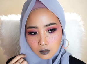 Freckles pink makeupProduct used@benefitindonesia #browzings @nyxcosmetics_indonesia eyeshadow base (white) and nyx lingerie lipli 13@toofaced #chocolatebonbonspalette @luxcrime_id eyeshadow palette golden eyes@catrice.cosmetics colour &contour black 18h@zoyacosmetics liquid eyeliner@colourpopcosmetics highlighter colourpopxlittlepony@eminacosmeticsBlush on cery blassom#makegirlz #makeuplook #frecklesmakeup @indobeautygram @clozetteid #beautyvlogger #clozetteid