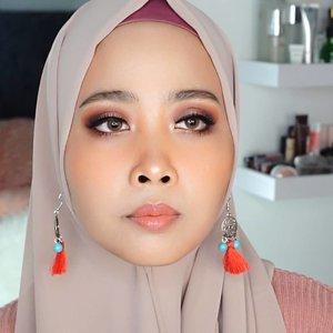 Tonight Up New Video ( klik link bio)First impression @urbandecaycosmetics #nakedreloaded ......100daymakeupchallenge #beautyenthusiast #beauty #beautygram #makeup #makeuptutorial #contourtutorial #makeup #beautygoersid #indobeautygram #indoveautysquad #beautygram #beautybloggerindonesia #tasyashoutoutfarasya #dwiendahpusparini #clozetteid #clozette #ivgg #ivgbeauty #esqa #esqaddicted #minitutorial #indovigram #eotd #ibv @beautybloggerindonesia @tampilcantik @ragam_kecantikan @cchannel_beauty @indobeautygram @tips_kecantikan @popbela_com @clozetteid @bloggermafia
