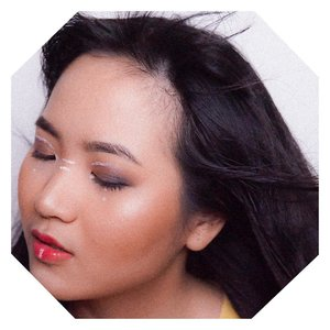Teruntuk kalian semua diluar sana, yang bersembunyi dibalik insecurities. If you love beauty, then go for it! Beauty knows no boundaries. Whatever they say; jerawat kamu bikin makeup jelek, uneven skin tone, makeupnya berantakan, mukanya bulet, gendut, etc. even ketika ada yang judge kamu for doing bold makeup or even art makeup..Face all those insecurities, show the world that you're good enough, and embrace the beauty you've had. .Be confident about who you are and how you look, and people will love you, babe. Try to be gentle with your feelings ceunah. ........ @mineralbotanica #micabeautysquad #roadtomicabeautysquad #clozetteid #jenntan #jenntanmakeup #beautyinfluencerindo #positivevibesonlyplease #embracethebeauty