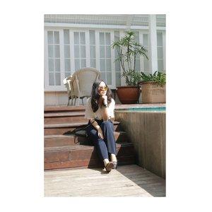 Relax & recharge! Happy sunday💕 . 📷 @marisaadepari . . . . . . . . . . . . . . . #tinkerlustambassador #beautyjournal #sociollabloggernetwork #clozetteco #clozetteid #clozettefashion #clozettedaily #jenntan #jennitanuwijaya #brandambassador #campusambassador #LYKEambassador #jakartabeautyblogger #influencerjakarta #socialmediamanager #beautybloggerindonesia #hermitagementeng #holidayvibes #takemeback #streetphotography #jakartastreetstyle