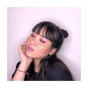 ☺️: bakso yuk!🤪: gabisa guee☺️: lah napa?🤪: lagi sakit ☹️☹️☺️: loh sakit apa?🤪: jiwa. Mehehehehe. ... Sesuai janji, ini dia tutorial pipi pelangi! Gemes ora?.......#clozetteid #cchannelbeautyid @cchannel_beauty_id #kbbvfeatured @kbbv.id #beautiesquad @beautiesquad @tips__kecantikan #beautybloggerindonesia #bloggermafia #indonesianfemaleblogger #tampilcantik @tampilcantik #fdbeauty #indobeautysquad @indobeautysquad #jenntanmakeup #zonamakeupid @zonamakeup.id #indobeautygram #ivgbeauty @indobeautygram @ragam_kecantikan #tutorialmakeuplg #makeuppemula #tutorialmakeupkece #tutorialmakeupindo #tutorialmakeupvideo #caramakeup #tutorialdandan