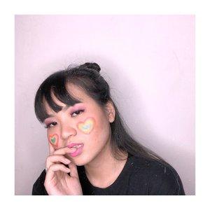 TGIF! Akhirnya weekend hehe💕.Deets:@rollover.reaction cushion shade 02@morphebrushes 35u eyeshadow paletteDrugstore japanese eyeliner@thesaemid concealer@getthelookid l'oreal infallible promattegloss @sigmabeauty brushes..Tutorial soon! 💕.. Inspo @pinterestindonesia .....#clozetteid #cicireceh #artisticmakeup #nofacepaint #jenntanmakeup #rainbowmakeup #rainbowmakeuplook @indobeautysquad #indobeautysquad