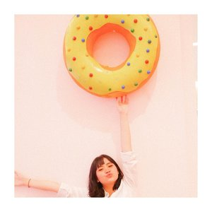 What's ur favorite donut variant? 😛.........#clozetteid #jenntan #indobeautyinfluencer #fashionbloggerindonesia #sweettoothforever #photoshootideas #lifestyleinfluencerbabes #houseofsweets