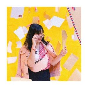 Kenapa cewe moody? .....Soalnya cowo muda, kalo digabung jadi muda moody🙃🙃 ...#recehbersamajenntan ...📍@ussarcade__ x @mojamuseum ....#clozetteid #positivevibesonlyplease #beautyvloggers #koreanicon #koreanfashionstyle #photoshootideas #indobeautysquad #recehbanget #jenntan #indobeautyinfluencer #fashioninspirations #fashionbloggerindonesia