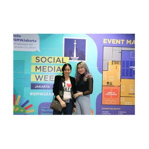#throwback to few weeks ago, attending @smwjakarta with my cotton candy @marisaadepari ❤️ . Thankyou @tinkerlustid for the invitation . . . . . . . . . #socialmediaweek #clozetteco #clozetteid #clozettedaily #clozettebeauty #jenntan #jennitanuwijaya #influencers #jakartabeautyblogger #jakartainfluencer #socialmediamanager #training #learningneverend #mediapartner