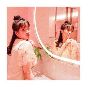 Tomat apa yang so sweet? . . . . Ai lap yu tomat 🍅 . . . . . . #clozetteid #jenntan #recehbersamajenntan #recehbanget #fashioninspirations #makeupinspogram #beautyinfluencerindo #photoshootideas . . 📍 @plazaindonesia ex lvl 5 (di toilet! Gumash)