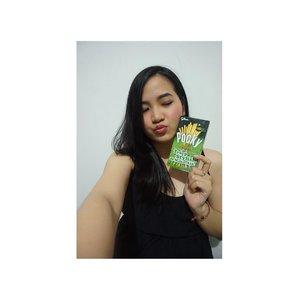 My favorite matcha snack 💕 . . . . . . . #cchannelxpocky @cchannel_id @pockyindonesia #halloweenparty #jennitanuwijaya #jenntan #LYKEambassador #clozetteid #clozettedaily #clozettelifestyle #influencerjakarta #socialmediamanager #beautybloggerindonesia #indofemalebloggers #beautiesquad #jakartabeautyblogger #beautynesiamember #foodbloggerindonesia #iphonenography #sonyalpharians #alpharians #indomodel #mcjakarta