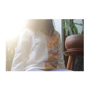 Ceritanya kuning kuning kena matahari biar fotonya keren gitu 😎 mukanya dicrop takut makin banyak fans 🙈🙈🙈 . . . . . . . . . . . #iwearmaple #mapleyourday #jenntan #jennitanuwijaya #clozetteid #clozettedaily #clozettefashion #LYKEambassador #beautypeople #jakartabeautyblogger #indofashionblogger #indofemaleblogger #fashionblogger #ootd #wiwt #whatiwear #lookbookindonesia #ggrep