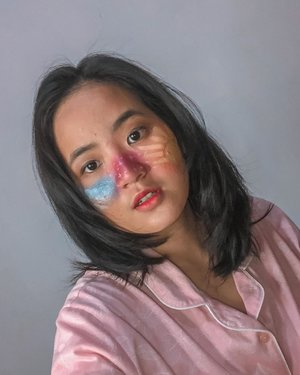 "Mencoba artmakeup bermodal eyeshadow saza wkwk tim acne skin pasti paham kegalauan pengen pake facepaint tapi sayang kulit :"" ..Inspo @charlotteroberts ......#clozetteid #jenntanmakeup #belajarmakeup #artmakeup @kbbvindo @indobeautysquad @beautiesquad @beautybloggerindonesia @jakartabeautyblogger"