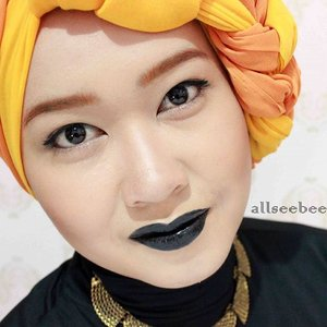 A #throwback photo of my Pumpkin and Spices make up look that I created about two years ago.I remember how excited I was when I purchase my first ever black lipstick and then I decided to create this make up look.#selfie #fotd #black #orange #blacklips #ClozetteID