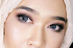 Smokey smokey 💨  #day11 #100daysofmakeupchallenge #allseebee #clozetteid #makeup #hijab