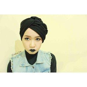 Why so serious? It's sunday! 😏😏😏 #fotd #blacklips #turban #hijab #clozette #ClozetteID