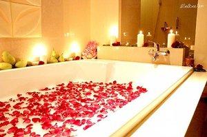 Kalau capek, rasanya pengen berendem air hangat di bathtub kayak gini ya.. hihihi#myfuturebathtub #allseebee #clozetteid