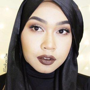 Me using the @kyliecosmetics Lip Kit in True Brown K in this Kylie Jenner Makeup.Watch the tutorial on my youtube channel!#kyliejenner #kylielipkit #truebrownk #indovidgram #allseebee #clozetteid
