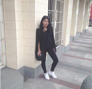 simple chic and love black! | saya suka dengan koleksi LZD PREMIUM karena menunjang penampilan kekinian #LOVELZDPREMIUM #LAZADAFASHION #CLOZETTEID!