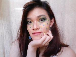 Bulan Ramadan gini identik sama warna hijau dan kuning kan ya? Ikutan bikin makeup bertema ijo dan kuning ah~#beautiesquad @beautiesquad #setterspace @setterspace #bvloggerid @bvlogger.id #bloggerceria @bloggerceriaid #indobeautyinfluencer @indobeautyinfluencer #KBBVmember @kbbvbyacb #bandungbeautyblogger @bandungbeautyblogger #bdgbb #indonesiabeautyblogger @beautynesia.id #beautygoersid #beautygoersBDG @beautygoers #beautilosophy @beautilosophy #clozetteID