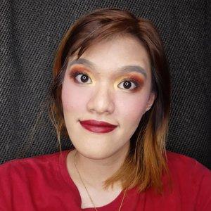H-2 dari Chinese New Year nih!! Udah nyiapin apa aja nih? Siap nerima angpao atau justru siap ngasih angpao? Apapun role-nya, yang paling penting tetap momen kumpul bareng keluarga ya~  Untuk menyambut CNY, @bandungbeautyblogger collab bareng @balibeautyblogger membuat CNY look nih. So here's the makeup look that I created~ Di slide sebelah ada @ertajayanti nih~  #makeup #cnymakeuplook #beautyblogger #simplemakeup #makeuptutorial #cnybdgbaliblogger #clozetteID