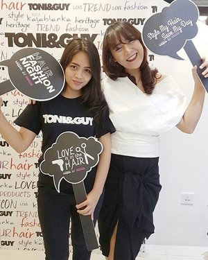 Can you see my big happy smile?  I'm so happy because my hair are well handled by the talented @toniandguykokas hairstylist Mbak Minnie & the adorable magic product @lorealproid. Byebye messy hair 👋 *kibas rambut* 💃  #LorealPro #HFNight #GlamTeam #StyleMyHair #HairMoment #HairTrends #OnlyInSalon #ClozetteIDxLorealPro #ClozetteID