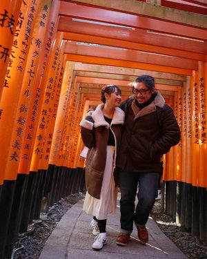 I wanna walk with you through your life, lay with you as your wife, be your best partner in life.  #HuboyWaifuJalanJalanJapan #FushimiInari #Kyoto #Japan #ClozetteID #Traveling