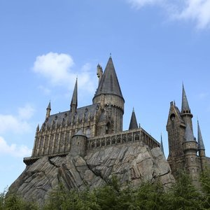 """⬅ Swipe left ⬅  1st image: """"Whether you come back by page or by the big screen, Hogwarts will always be there to welcome you home."""" - J.K. Rowling.  2nd image: Wingardium Leviosa!  3rd image: Aresto Momentum! . . #Hogwarts #HarryPotter #UniversalStudioJapan #USJ #Japan #swipeleft #ClozetteID #Travel"""