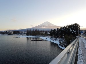 Breath taking view (1/3) . . . . . #HuboyWaifuTravelJournal #HuboyWaifuInJapan #HuboyWaifuJalanJalanJapan #ClozetteID #Lifestyle #Japan #Kawaguchiko #MountFuji